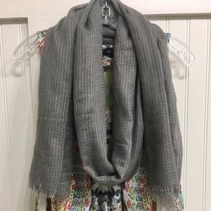 3/$20 like new scarf